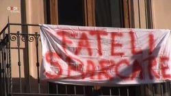 Appello per i migranti della Sea Watch sui lenzuoli di Siracusa: