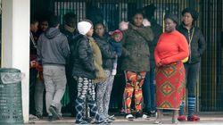 Famiglie con bambini costrette a lasciare il Cara di Castelnuovo accolte dagli