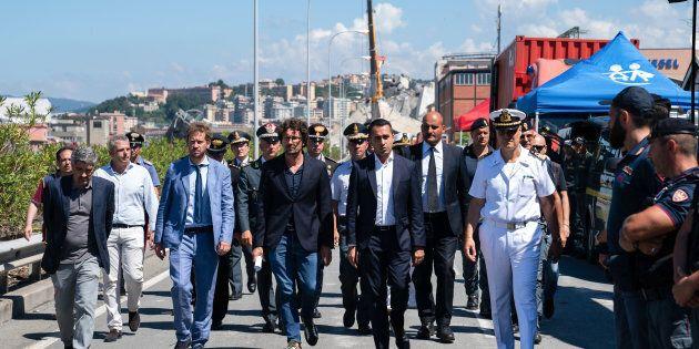 Toninelli prepara il 'decretone' su Genova e prova ad aggirare i dubbi della commissione Ue sull'affidamento...