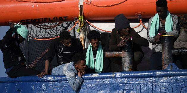 Ostaggi della propaganda: governo senza soluzioni per il caso Sea Watch 3 si rivolge alla corte europea...