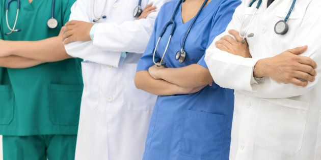 AAA Germania cerca medici italiani: 4.400 euro mensili, alloggio e