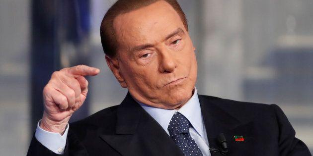 Votando per Orban, Berlusconi si è dimostrato succube di