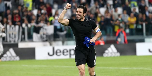 ALLIANZ STADIUM, TORINO, ITALY - 2018/05/05: Gianluigi Buffon of Juventus FC celebrate at the end of...
