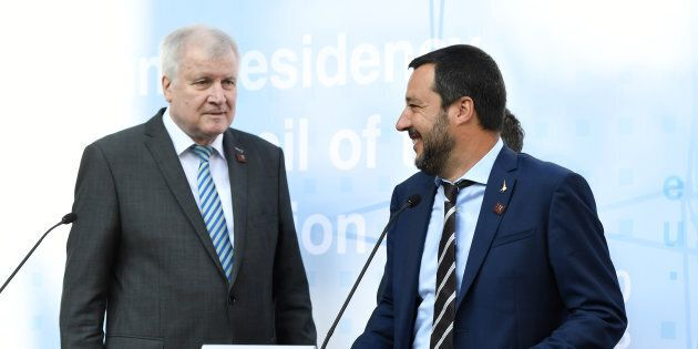 Accordo Italia-Germania sui migranti. Seehofer annuncia: