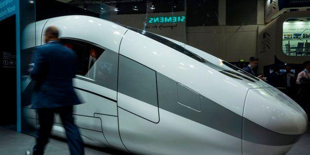 Bruxelles verso il no alle nozze Alstom-Siemens. Il candidato Ppe (tedesco) alla Commissione Ue:
