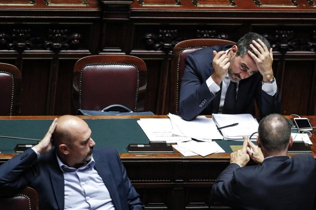 Il sottosegretario Franco Manzato (s), il ministro dei Rapporti con il Parlamento Riccardo Fraccaro e...