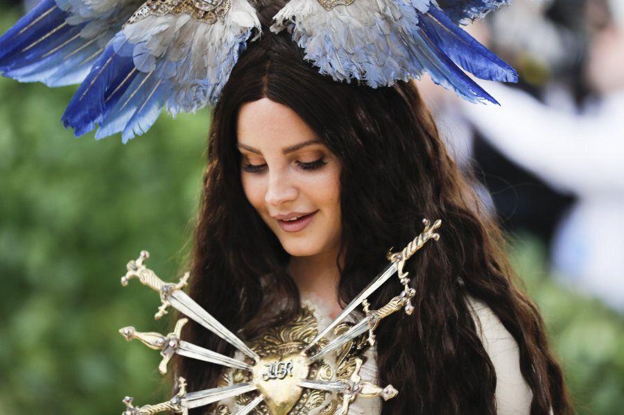 Singer-Songwriter Lana Del Rey arrives at the Metropolitan Museum of Art Costume Institute Gala (Met...