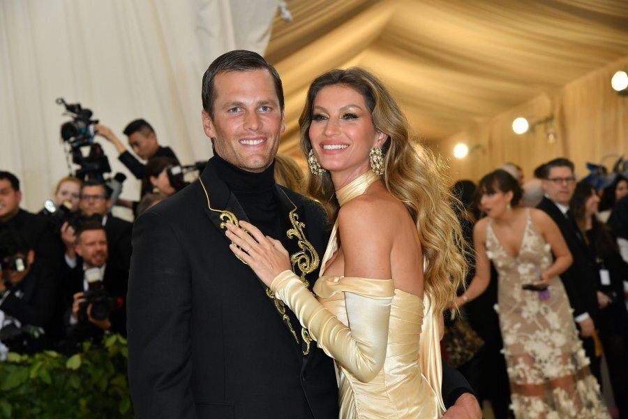 Tom Brady (L) and Gisele Bundchen arrive for the 2018 Met Gala on May 7, 2018, at the Metropolitan Museum...
