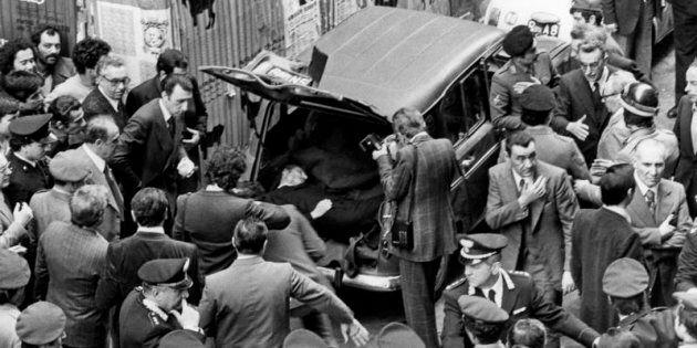 09/05/1978 Roma, via Caetani, ritrovamento del cadavere di Aldo Moro, nella foto la Renault contenente...
