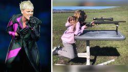 La figlia di Pink, 7 anni, si diverte a sparare con il fucile: le immagini scatenano i