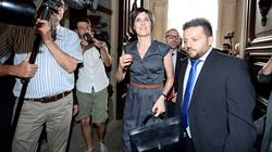 La sottosegretaria Castelli licenzia il collaboratore indagato per estorsione ai danni di