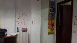 Insulti omofobi, svastiche e scritte pro Salvini in scuola che aiuta gli stranieri a Milano. Ministro: