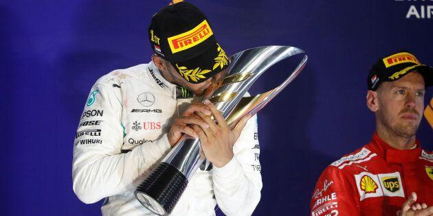 Blackout Ferrari, bye bye
