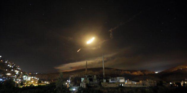 Scontro Israele-Iran nella notte sul Golan. Macron e Merkel lanciano un appello per la
