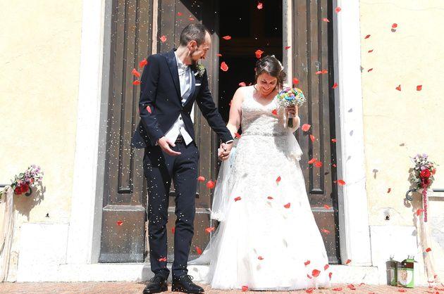 Daniela Timoneri e Andrea Fortunato due sfollati di Certosa si sono sposati stamttina, nella chiesa di...