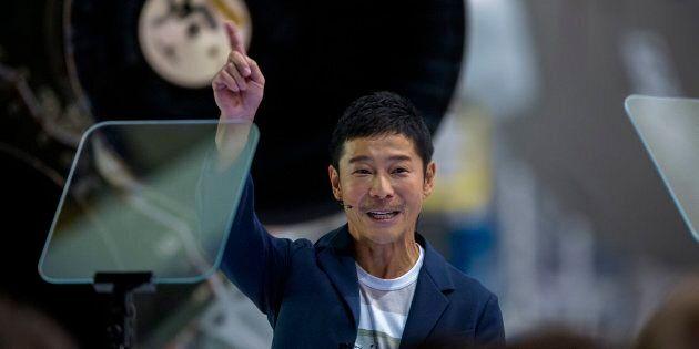 Sarà un miliardario giapponese il primo turista ad andare sulla luna con