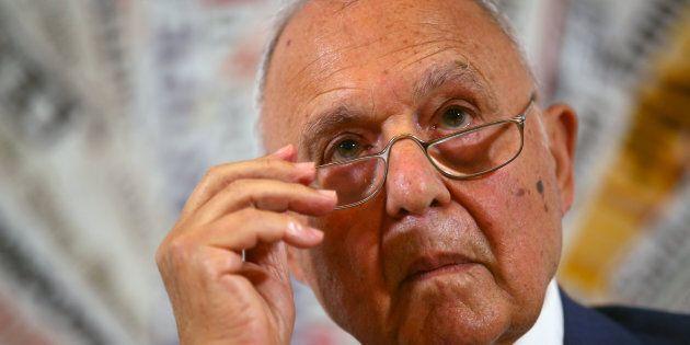 Consob, ufficiale Savona alla presidenza. Via libera dal Consiglio dei Ministri, a Conte l'interim per...