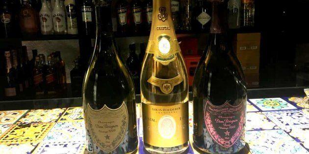 Bollicine, champagne e movida: simbolo, icona o