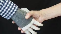 In una donna la prima mano bionica, impiantata in Svezia con tecnologia