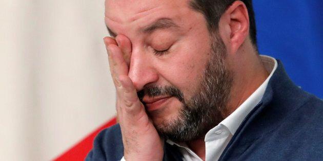 Matteo Salvini sotto botta, Atto