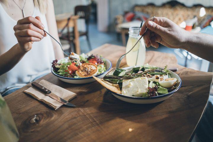 Restaurante não pode vetar compartilhamento de prato.