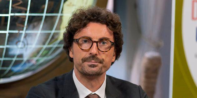 Aeroporto Firenze, Toninelli dà un calcio al Giglio Magico: