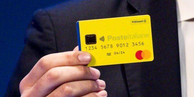 La prima card del reddito di cittadinanza, presentata da Di