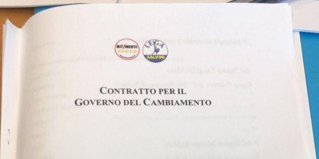 Il contratto sbarca a Milano: 19 punti, 26 pagine, firme in