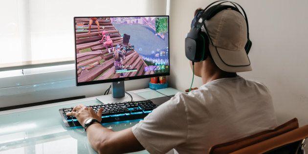Cresce il gaming online: 8.7 milioni di italiani giocano in