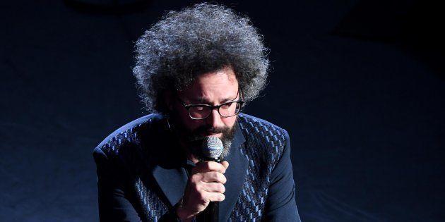 Sanremo 2019: standing ovation per Simone Cristicchi che risponde