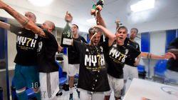 L'abitudine di vincere sempre: le immagini della (non) festa della Juve per il settimo