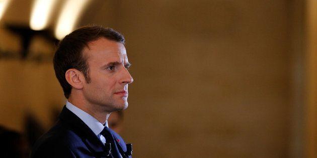 Perché Macron non annuncia ancora il suo