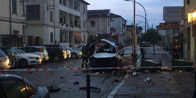 Bomba nell'auto del compagno dell'ex fidanzata: strage sfiorata ad Aquino, nel