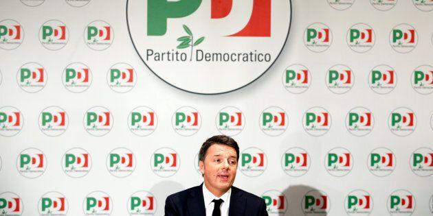 Matteo Renzi vuole il congresso subito: è di nuovo scontro nel