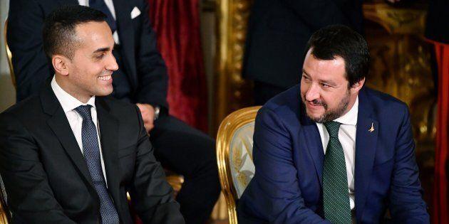 Lo scambio tra Matteo Salvini e Luigi Di Maio non risolve i problemi della manovra. Tria non si smuove