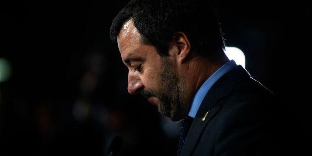 Pronto a rompere: senza garanzie di battaglia contro l'Ue, Salvini fa saltare il tavolo con M5S (e anche...