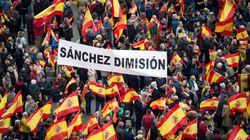 La destra spagnola manifesta contro Sanchez: