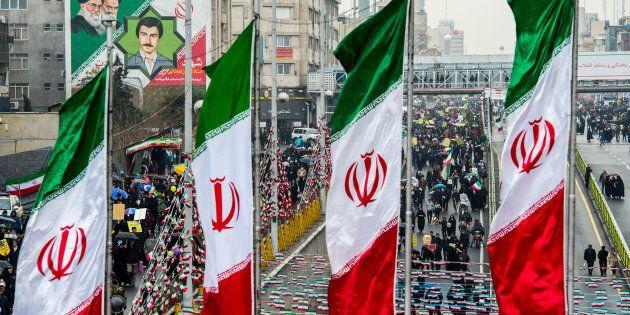 Iran, il regime celebra se stesso. Shirin Ebadi: