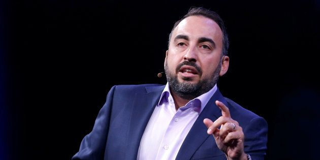 L'ex capo della sicurezza del social network Alex Stamos.
