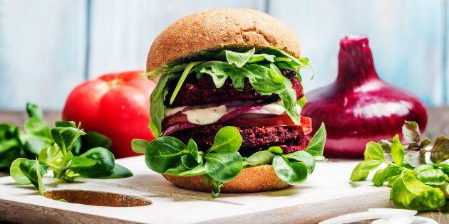 Arriva in Italia l'hamburger che sembra di carne ma non lo