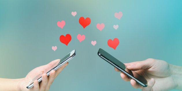 L'amore? Per 1 ragazzo su 2 può nascere sui social. Instagram il migliore per trovare una relazione