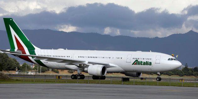 La nuova Alitalia si intravede, ma è al buio sugli