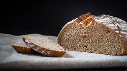 La crosta del pane invecchia le cellule, è colpa della reazione di