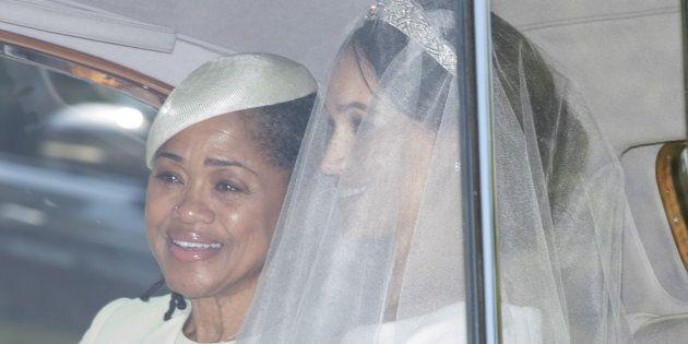 La mamma di Meghan trattiene le lacrime di gioia per le nozze della