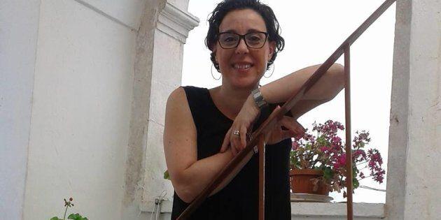 Donna uccisa a coltellate davanti alla porta di casa ad
