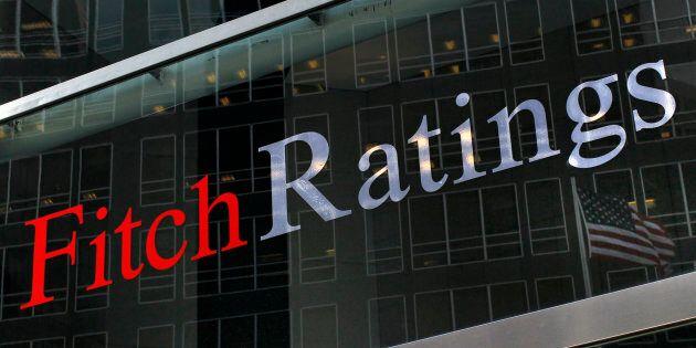 Fitch vede rischi per l'Italia. Piazza Affari chiude a -1,5%, lo spread sale a 187