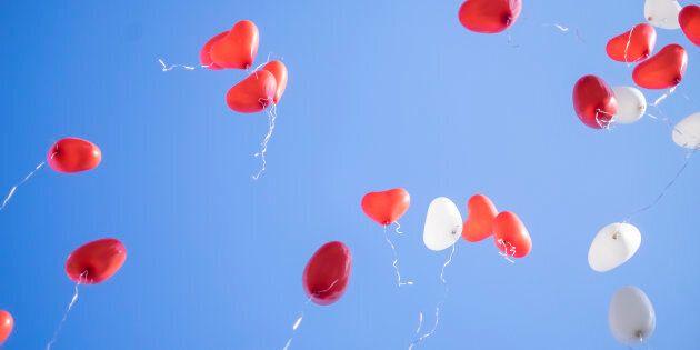 Il San Valentino di Giulia, 9 anni: invia un palloncino al papà volato in cielo (con l'aiuto dei