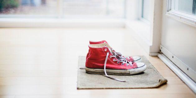 Per rimanere in forma toglietevi le scarpe prima di entrare in casa (parola di
