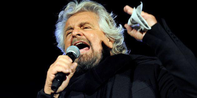 Il sarcasmo criptico di Beppe Grillo sul voto online su Salvini:
