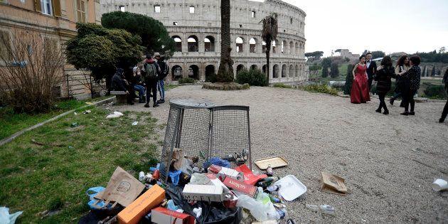 Roma è la capitale d'Europa più sporca: solo un romano su dieci è